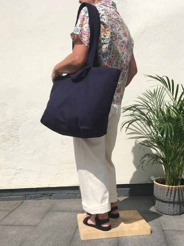 Two Strap Port Bag in Navy