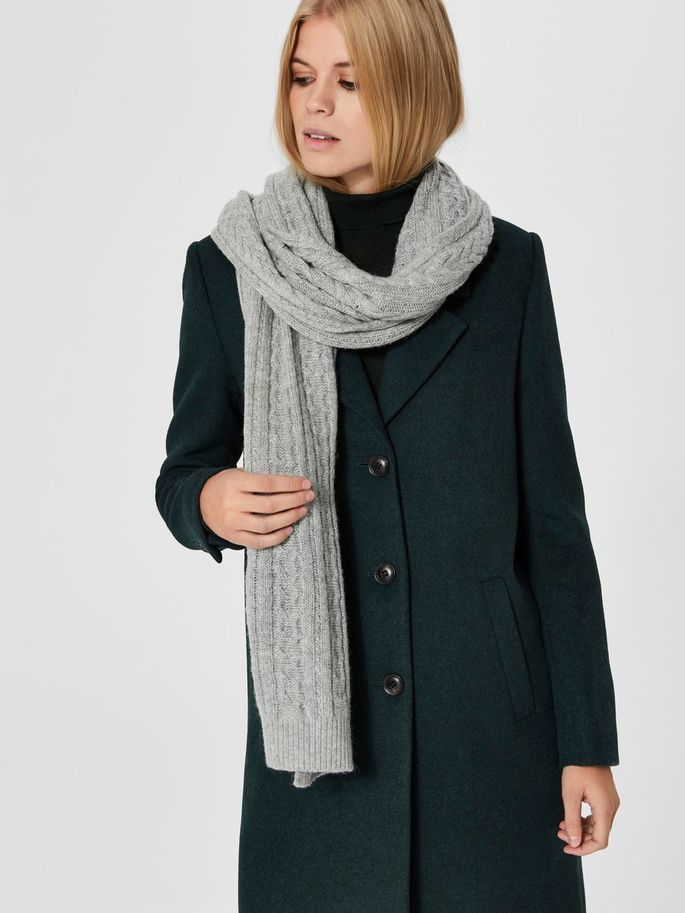 Carmi Cable-Knit Scarf in a Light Grey Melange