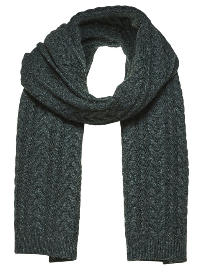 Carmi Cable-Knit Scarf in Scarab Green