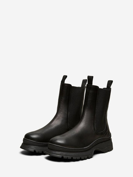Lucy Chelsea Boots in Black