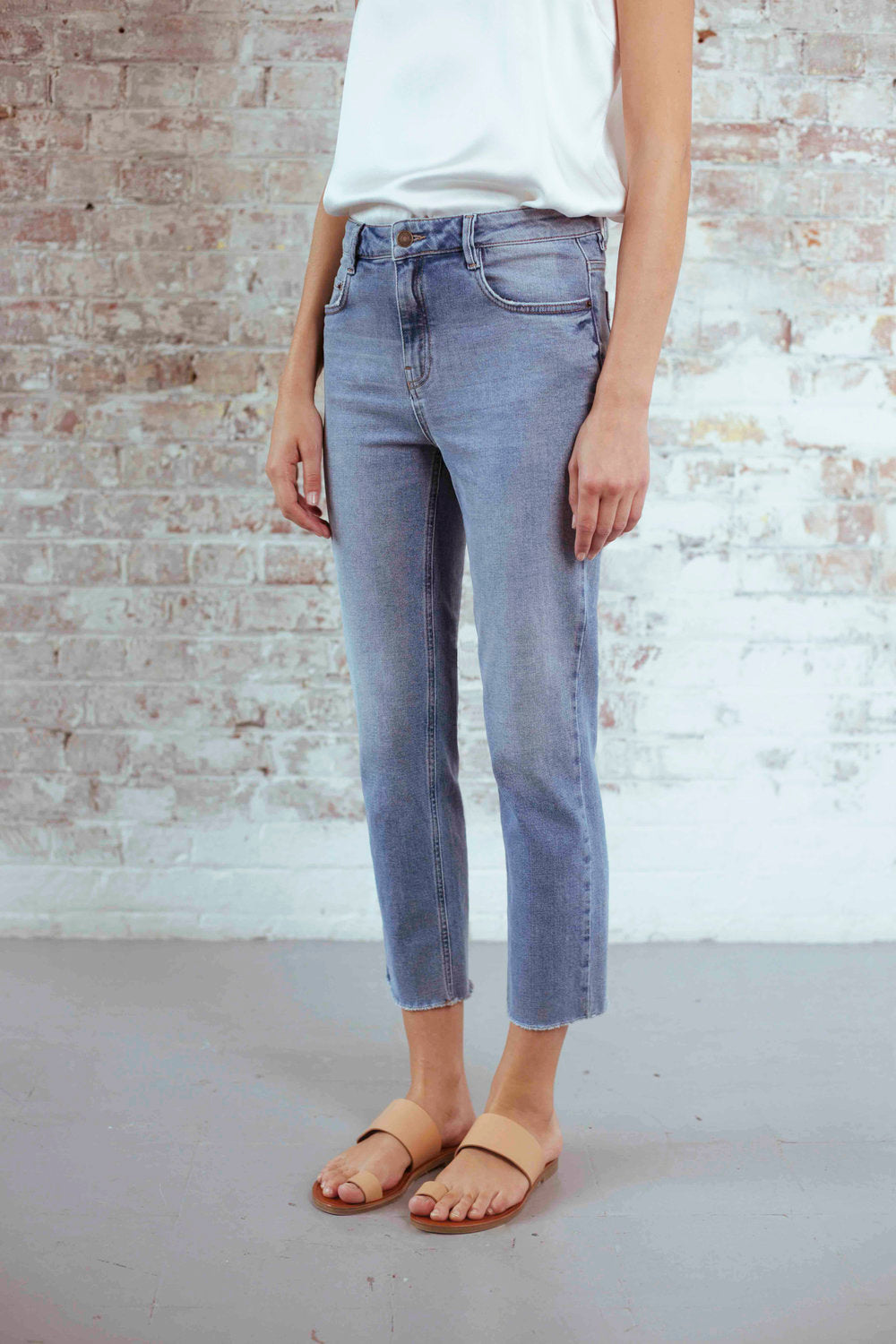 Radclyffe Slim Shadow Pocket Jeans in Light Indigo