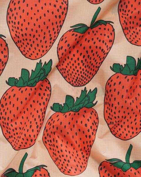 Standard Tote in Strawberry Print