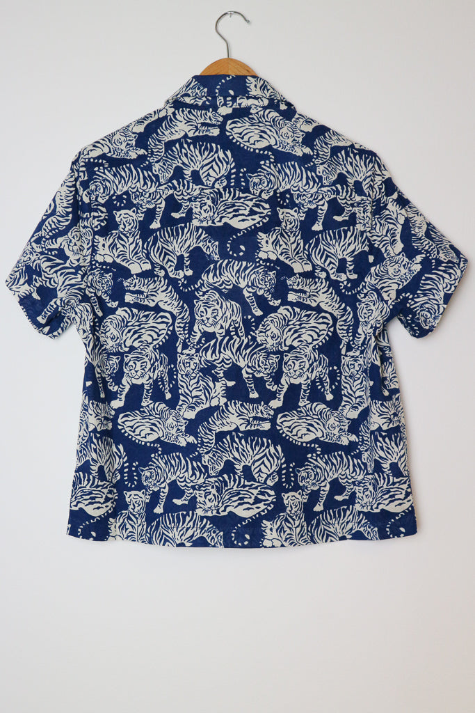 Vegas Shirt in Blue Tiger Print