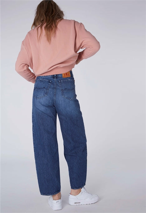 Leila Jeans in Vintage Dust
