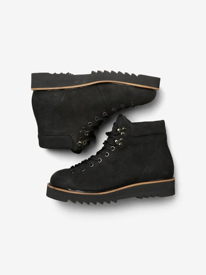 Mira Hiking Boots in Black