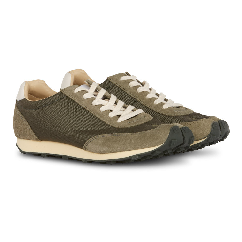 Tabi Trainer in Olive