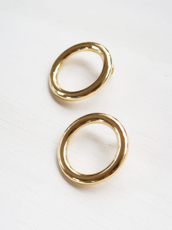Lia Circle Stud Earrings in Gold Plate