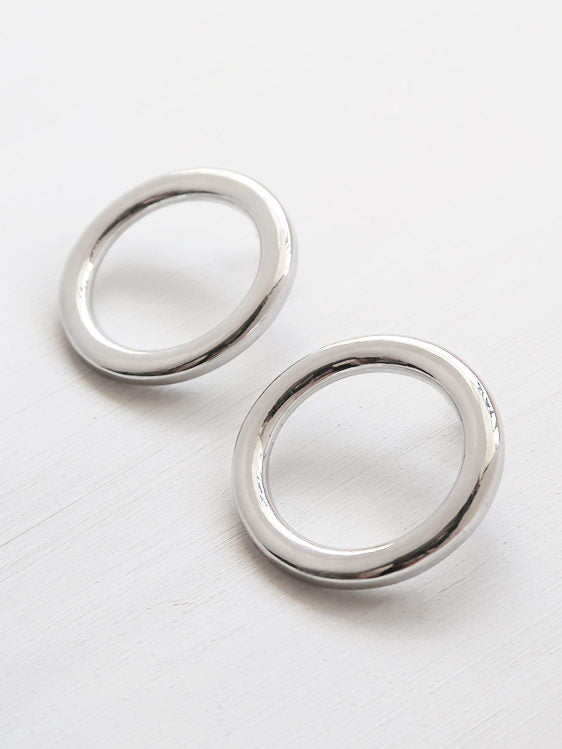 Lia Circle Stud Earrings in Silver Plate