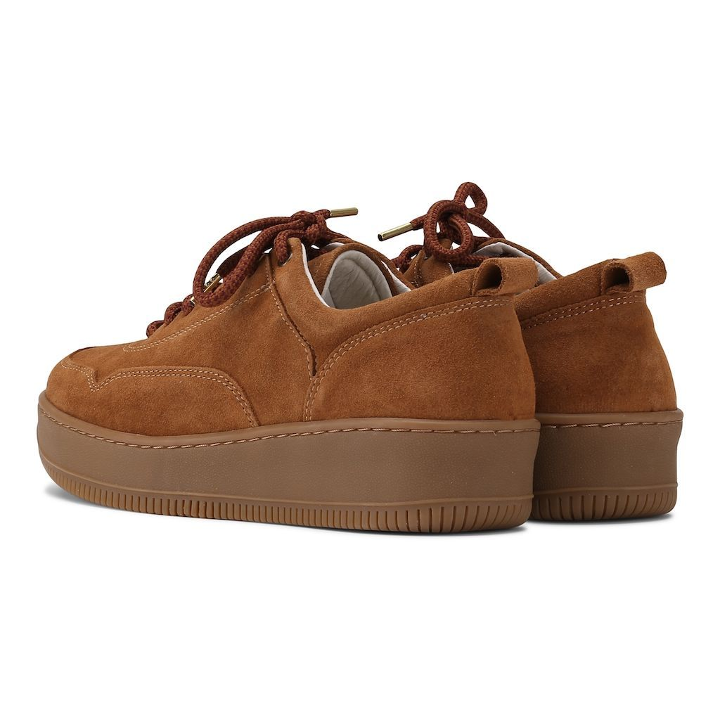 Spy Sneakers in Cognac
