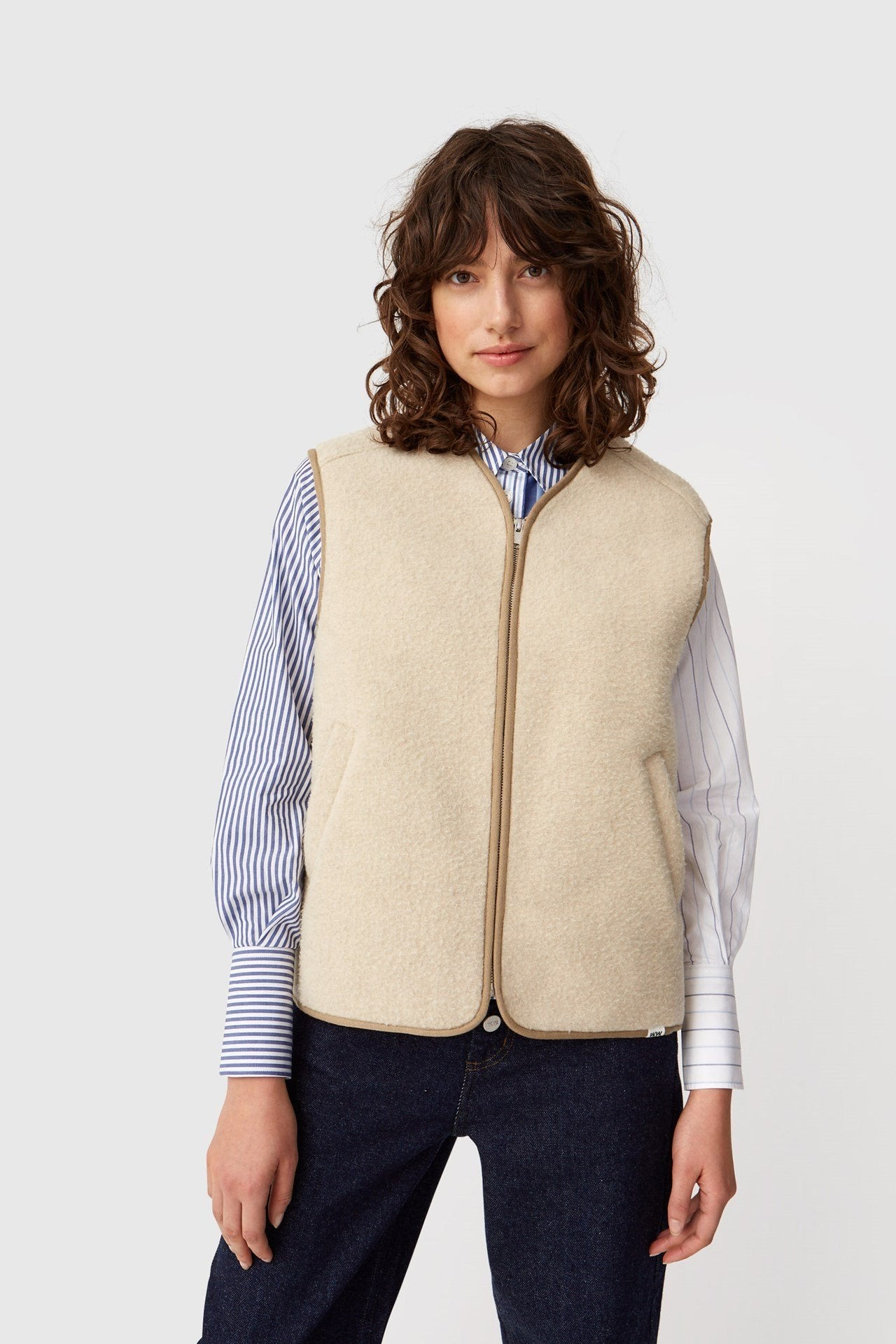Victor Vest in Light Beige