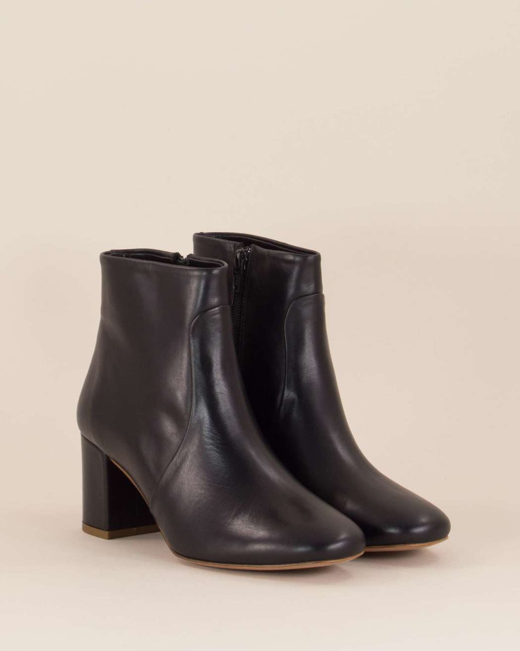Petulia Leather Boots in Black