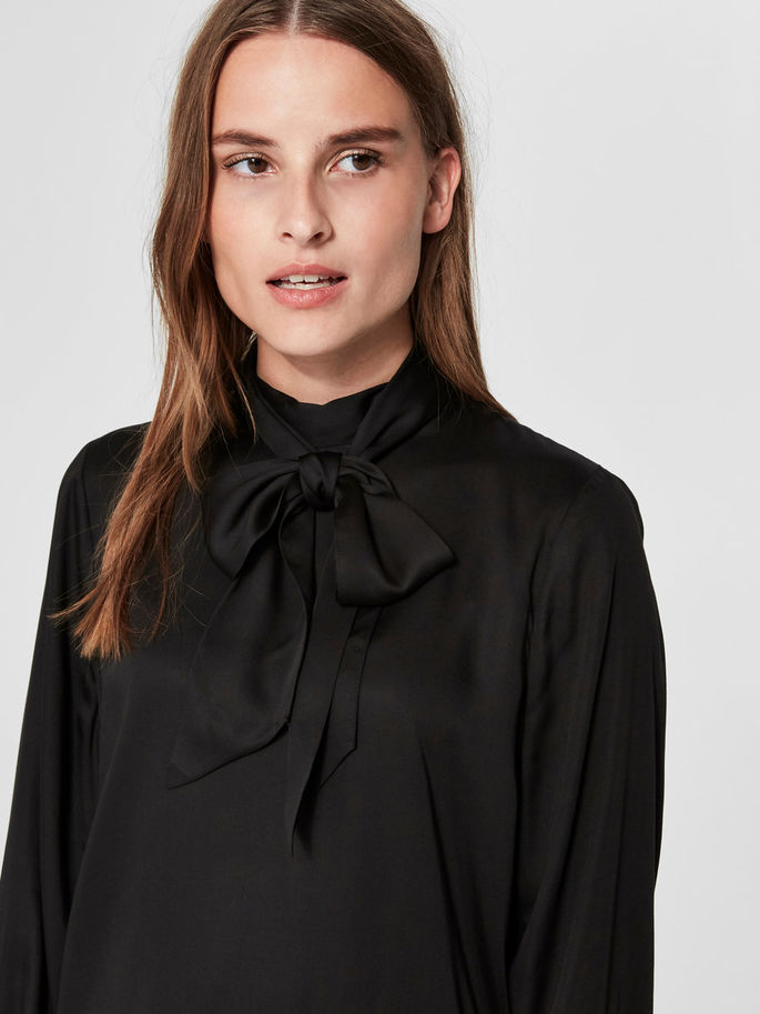 Quinn Neck Tie Blouse in Black