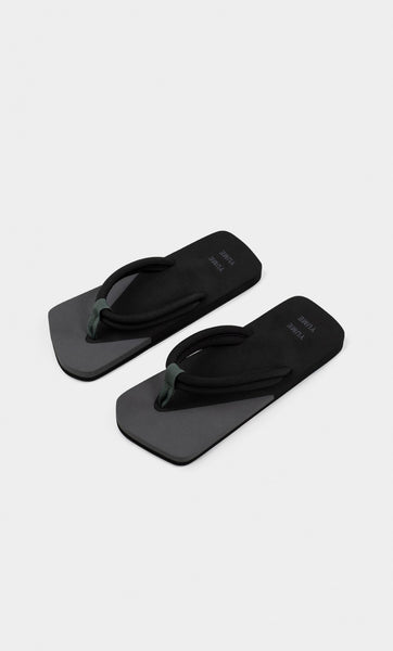 Xigy Flip Flop in Asphalt and Black
