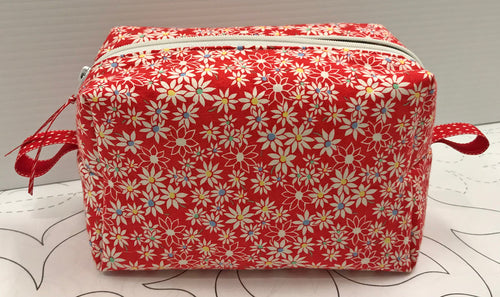 Boxy Pouch - Red Floral