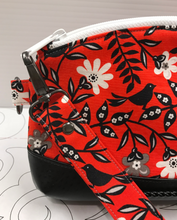 Clematis Wristlet - Black Birds on Red