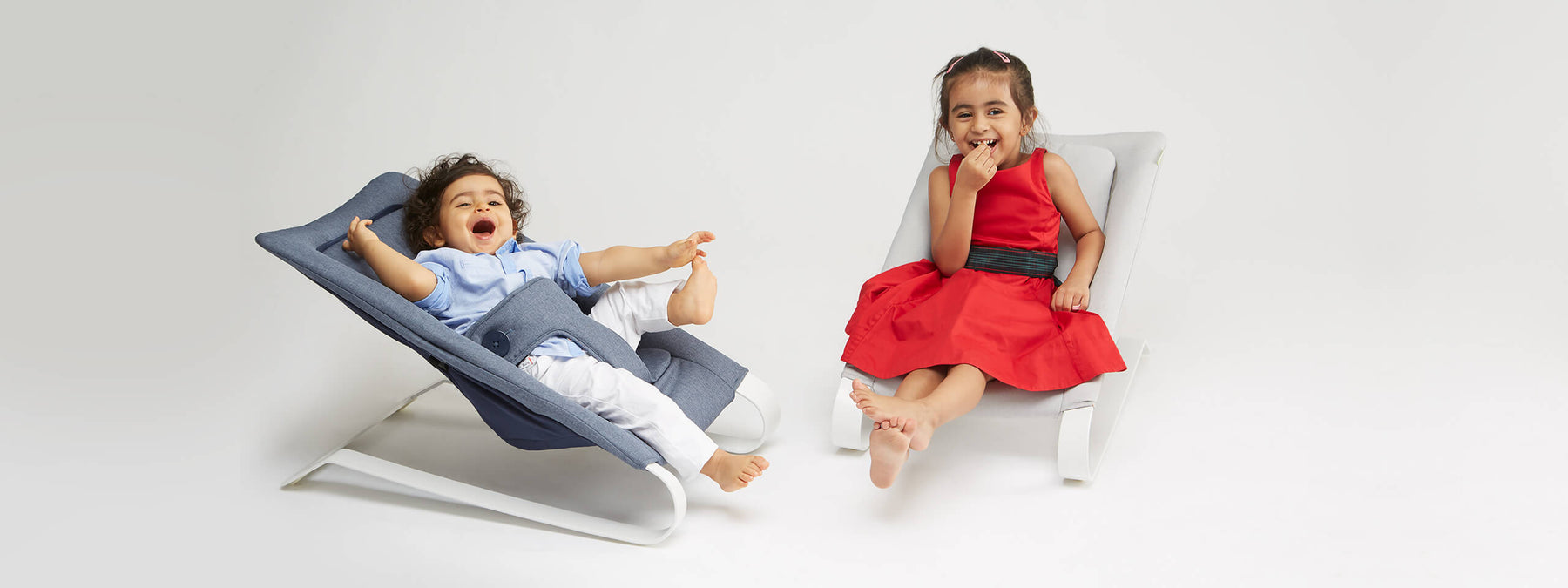 Bombol baby bouncer with kids