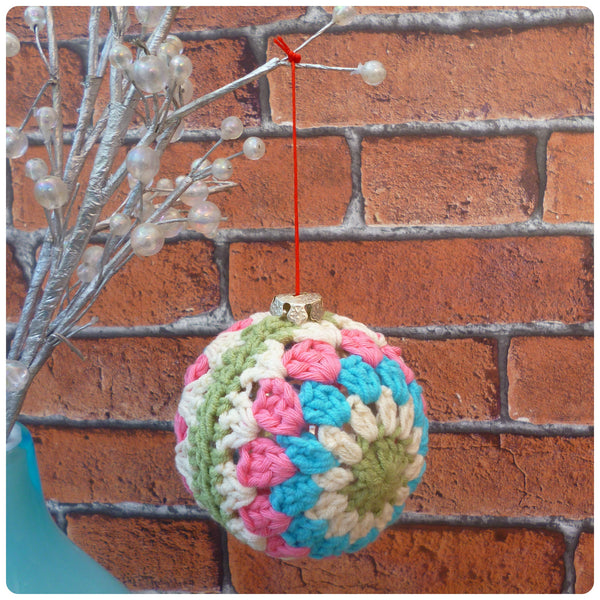 Crochet Christmas Bauble (Olive Green Centre)