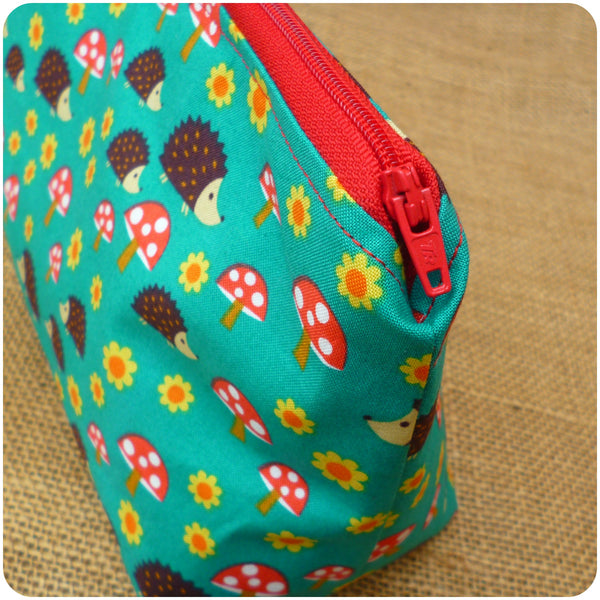 Hedgehog Make Up Bag, Zipper Close Up