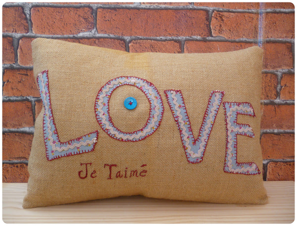 Love Je Taimé Cushion