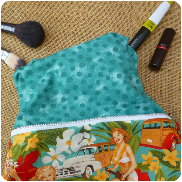 Pin Up Girl Toiletry Bag, Lining Close Up