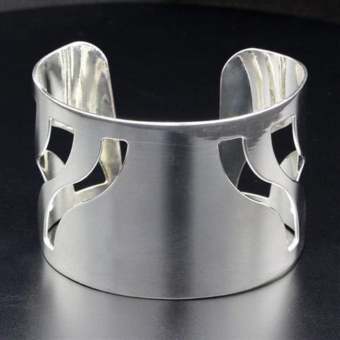 LO1951 Rhodium Brass Bangle with No Stone in No Stone