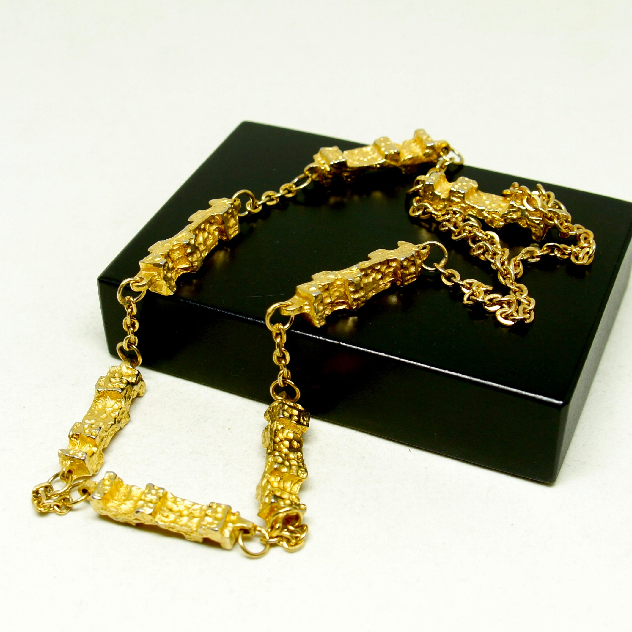 Robert Larin Chain Necklace - Golden Brutalist Pillars