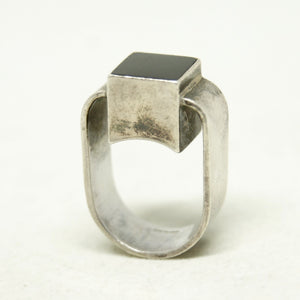 Gilbert Rheme Ring - Black Cube