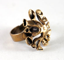 Load image into Gallery viewer, Large Hannu Ikonen Reindeer Moss  Ring - Modernist Bronze
