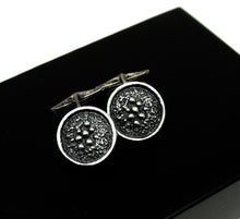 Load image into Gallery viewer, Robert Larin Cufflinks - Lichen Circles