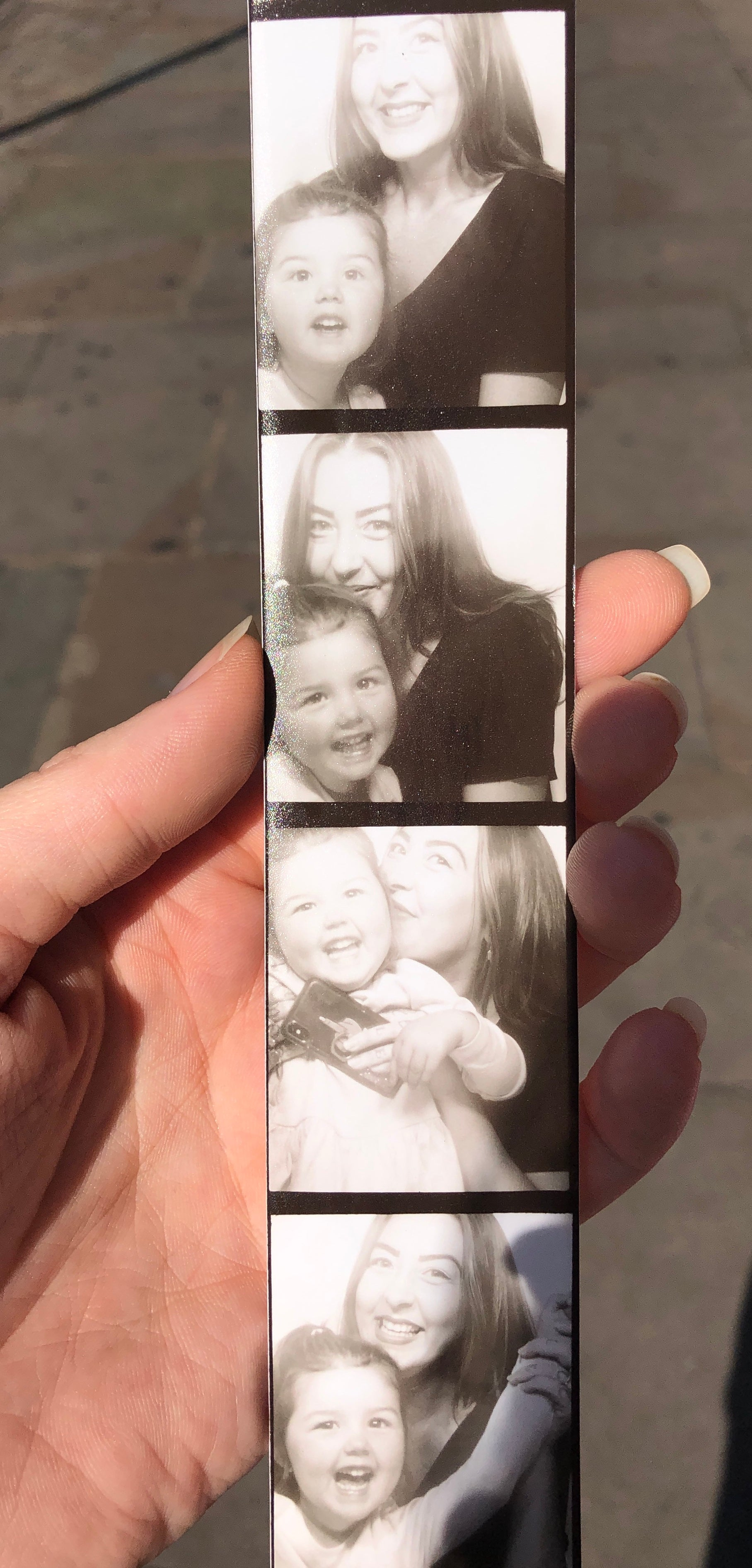 Shoreditch Ace Hotel Photobooth Mama and Daughter