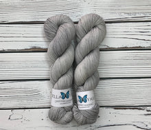 Bella Yarn - Hand Dyed Yarn