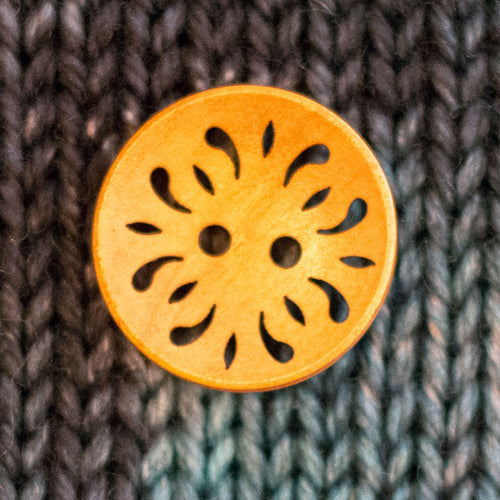 "Lacy wood buttons - 7/8"" diameter (10 pack)"
