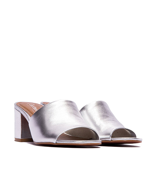 L'intervalle Dina Mule Silver - TheSeptember.com