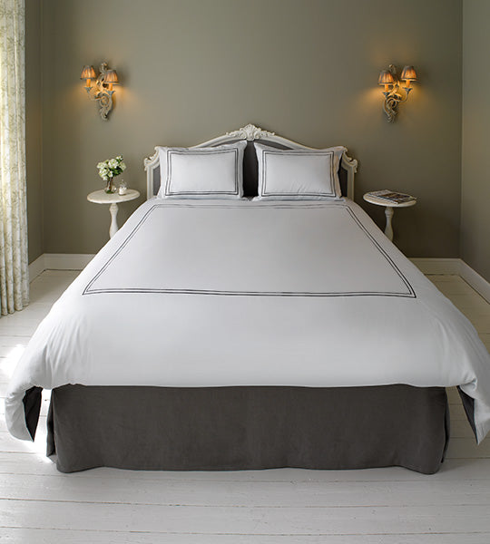 Hotel 2-Line Bedding in Pella Cotton