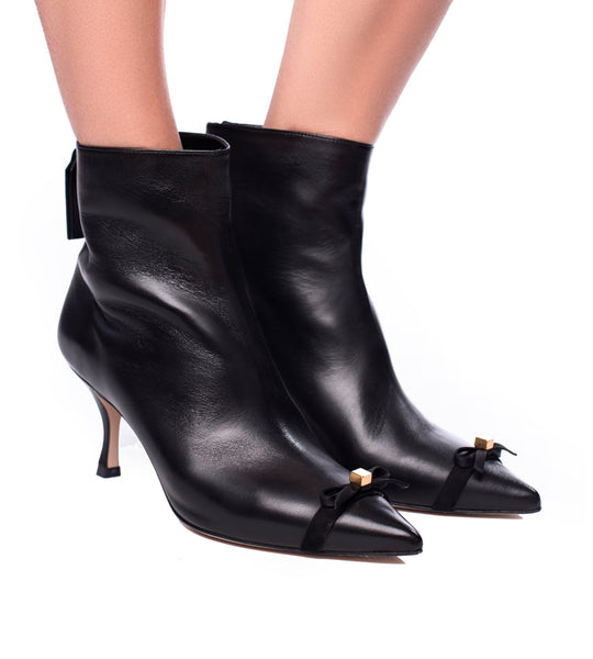 EXCLUSIVE - Willa Boot