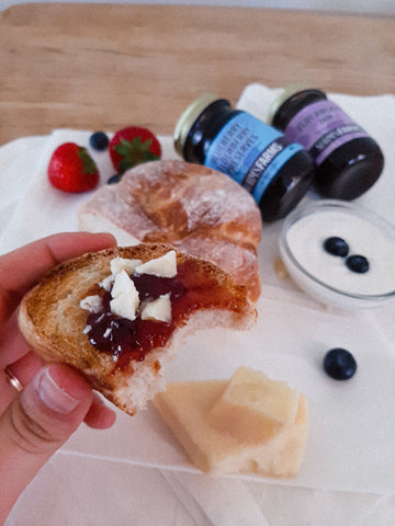 easy breakfast: elderberry jam and cheese on sourdough toast