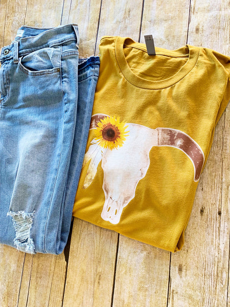 The Daffodil donkey tee