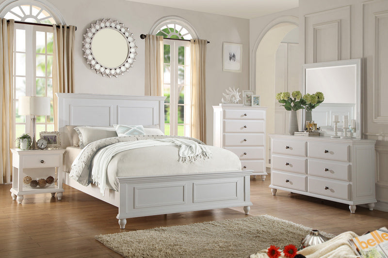 Traditional Style White Bedroom Set