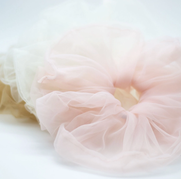 Cloud tulle scrunchie - rosé