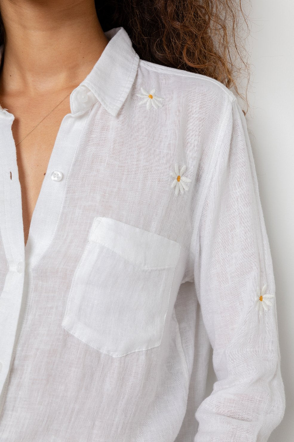 Charli - white daisy embroidery