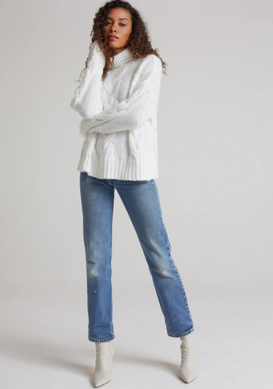 Cable knit turtleneck sweater - winter white