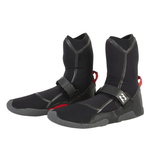 Billabong surf booties with 3mm neoprene and quick-dry lining.