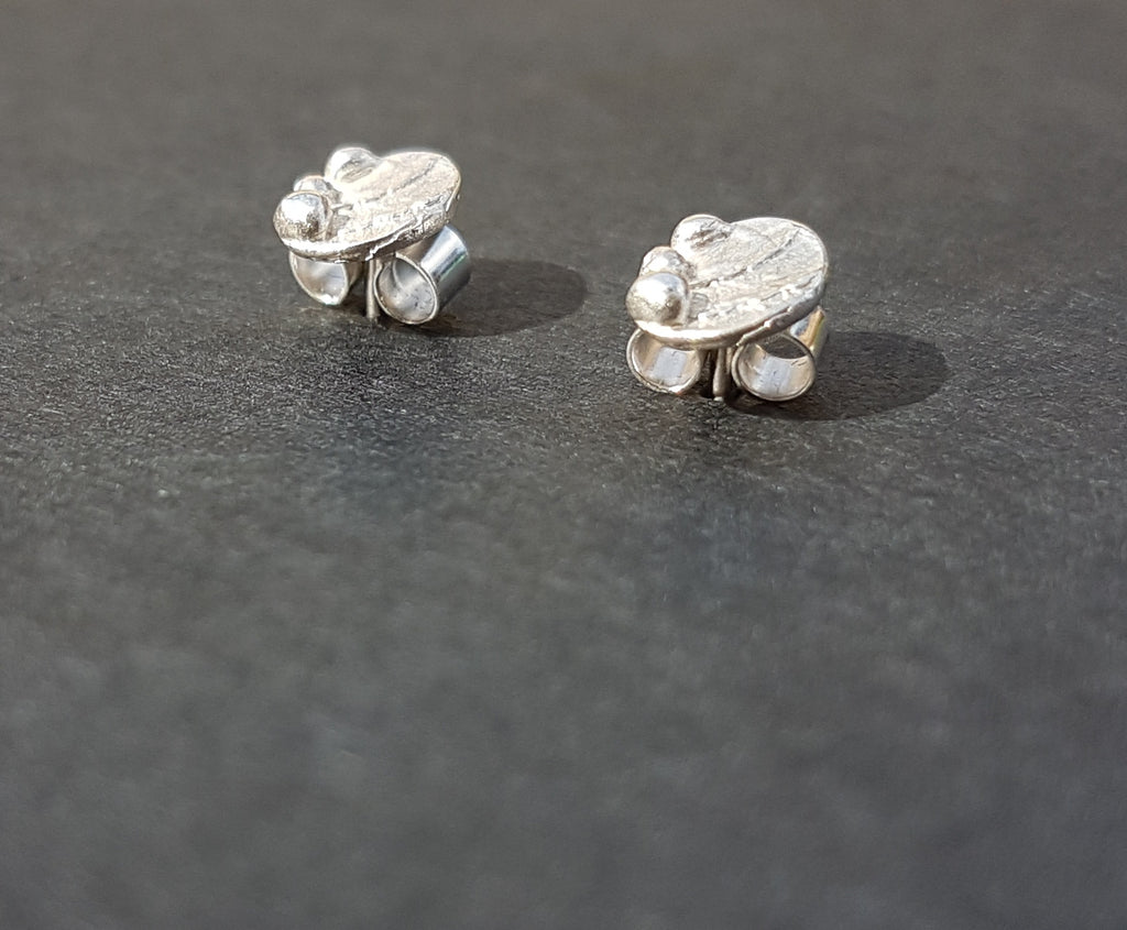 Ripple Pebble Stud Earrings