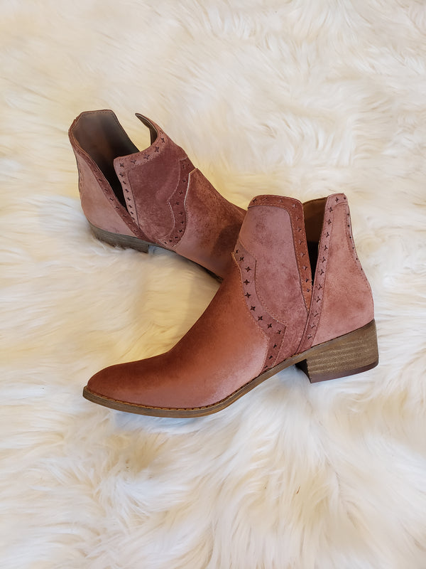 Andrea Bootie - Boutique121