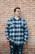 Classic Valley Proud Men's Flannel Shirt - Navy & Grey