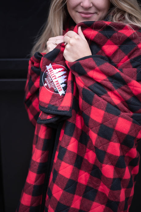 Buffalo Plaid Cabin Blanket - Red & Black