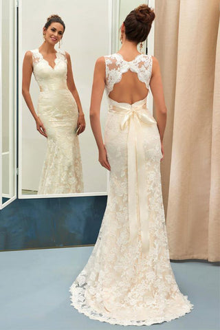 Champagne V Neck Open Back Sleeveless Lace Sheath Beach Wedding Dresses