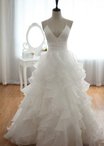 Charming Spaghetti Straps Long White V-neckline Organza Cross Back Wedding Gowns