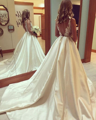 Gorgeous A-line Scoop Long Wedding Dress with Train