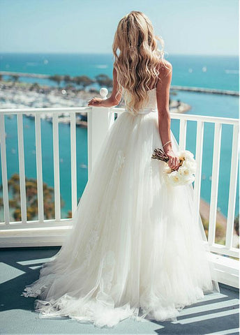 Tulle Spaghetti Straps Neckline With Lace Appliques Backless Beach Wedding Dress